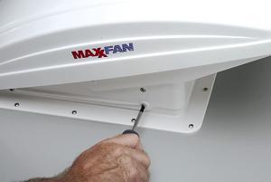 MaxxFan-screws.jpg